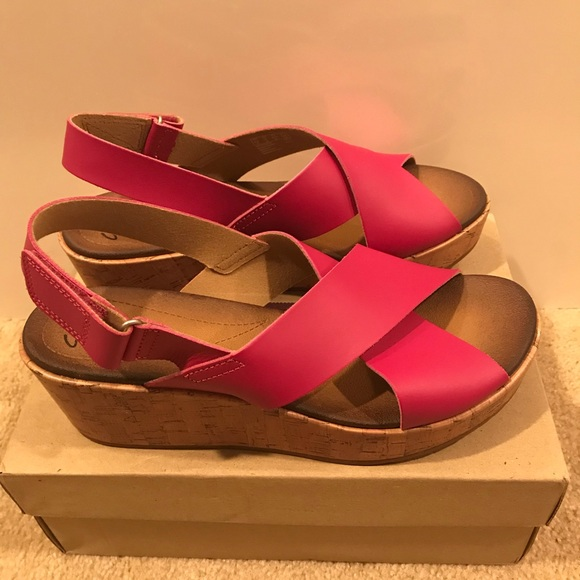 6c99cad8335 Clarks Shoes - Clark s Leather Cross Band Wedge Sandals. Size  11